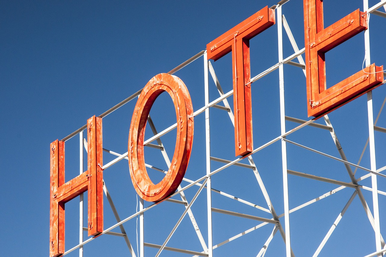 Are hotels lacking in accommodating business travellers?