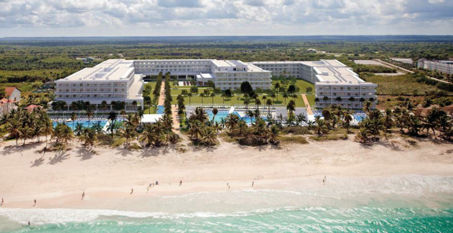 Signature unveils adults-only resort in Dominican Republic