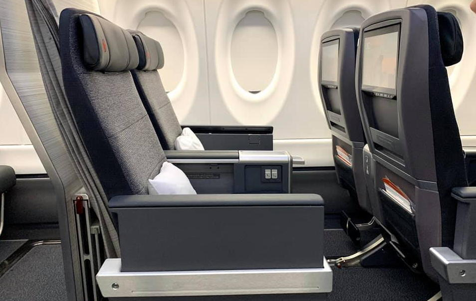 Business class onboard Air Canada's A220-300.