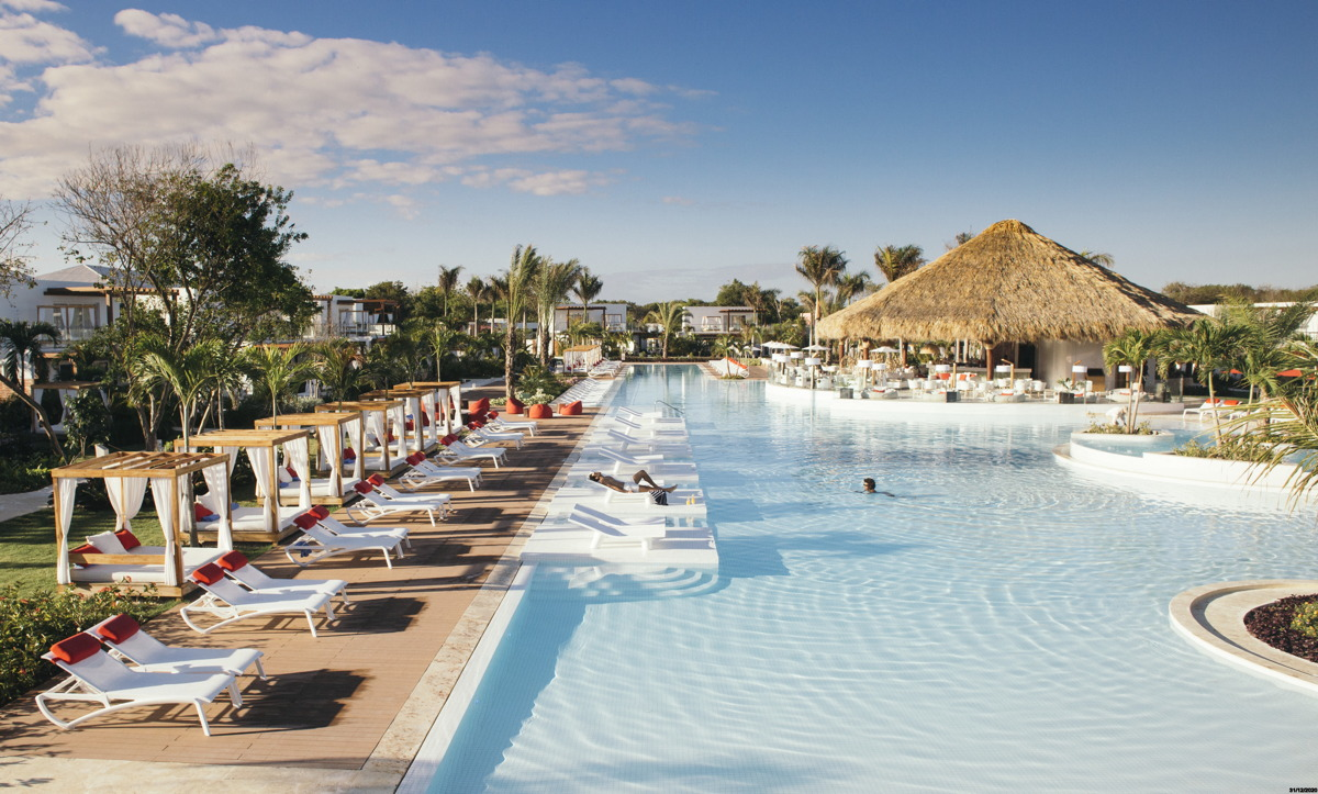 CHILL TIME. The adults-only Zen Oasis lagoon pool was an ideal place for quiet time. Photo courtesy of Club Med.