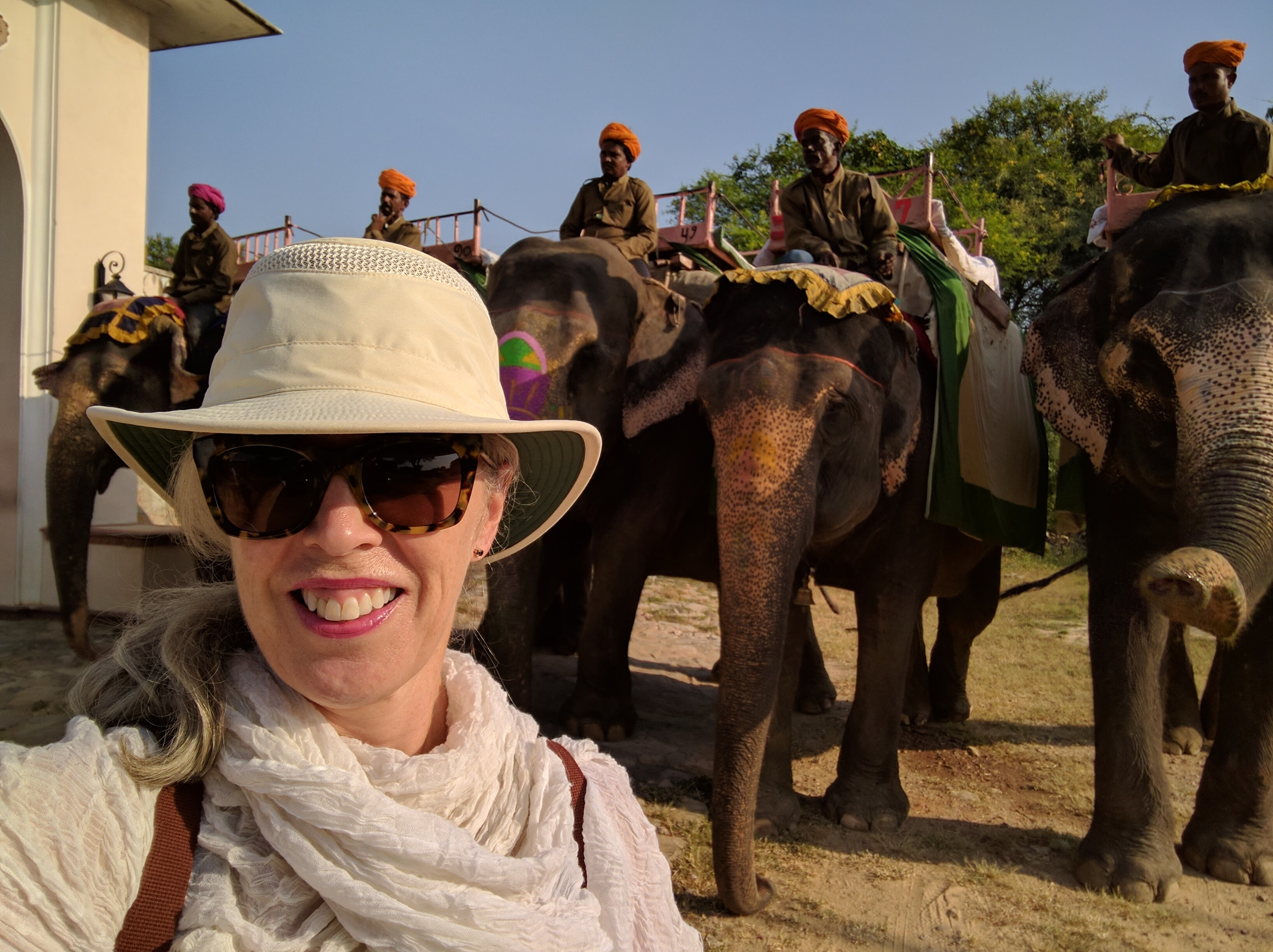 Exploring India (photo courtesy of Dallyce Macas)