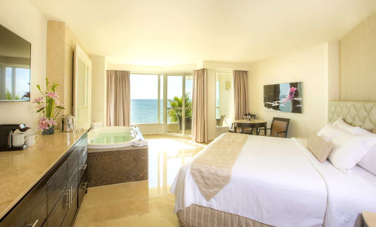 COMFORT. An oceanfront room at Moon Palace Cancun. Photo: Palace Resorts