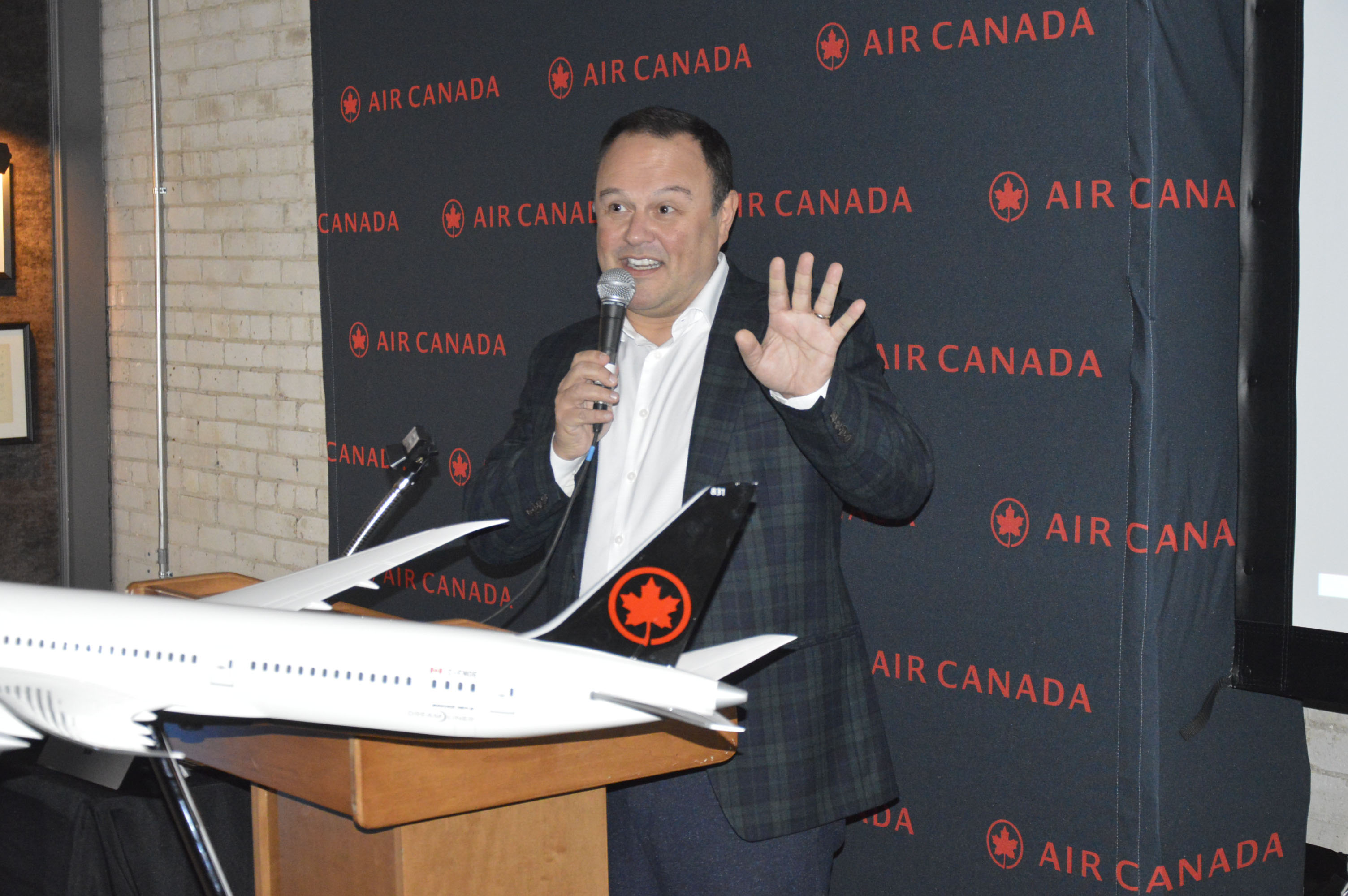 Virgilio Russi, senior director of sales – Canada