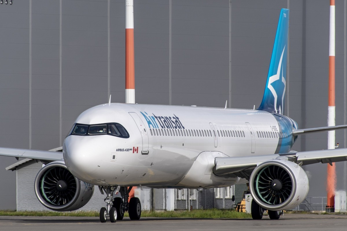 Air Transat's new A321neoLR, ready for take-off