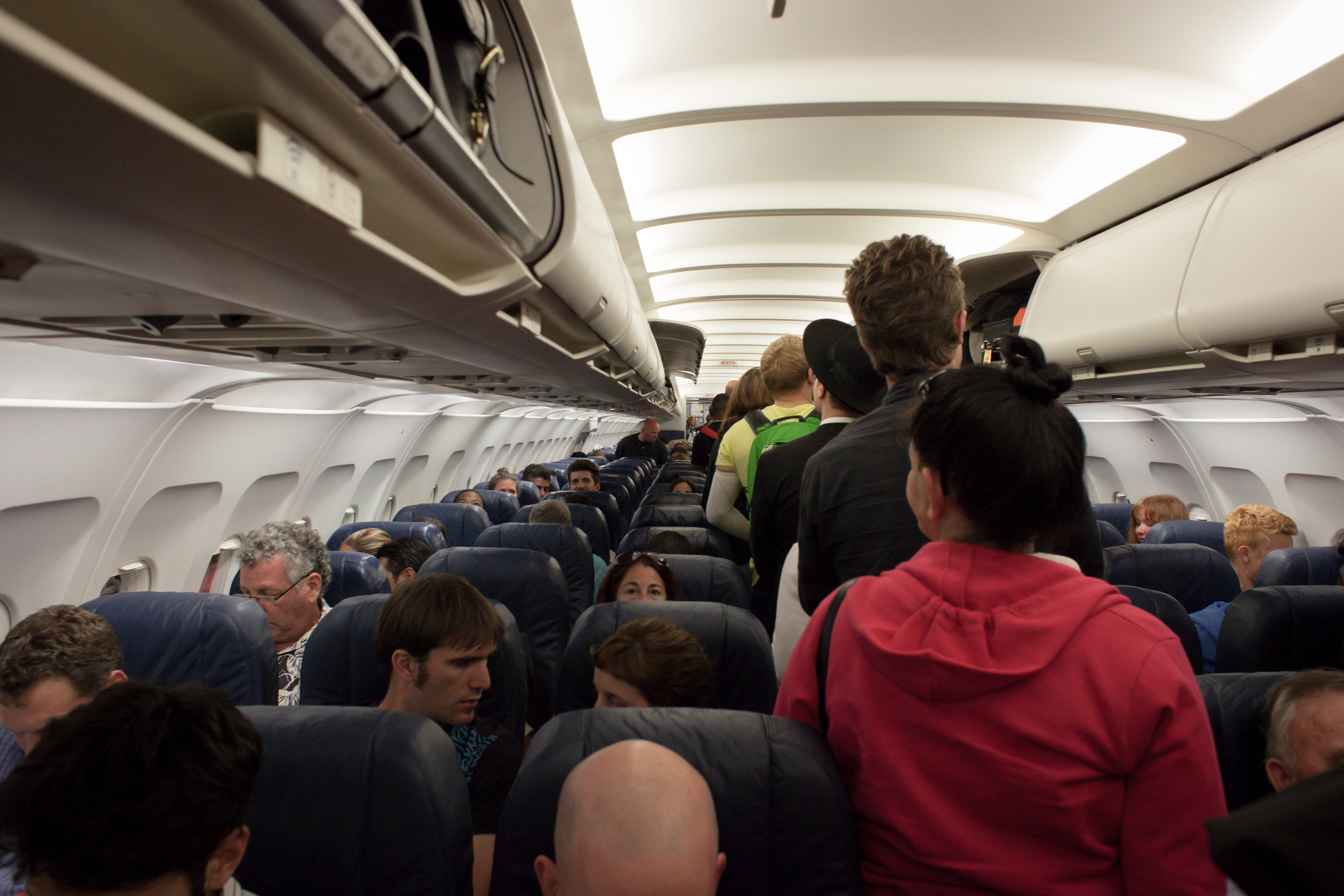 PAX - Flight attendant's open letter to rude passenger goes