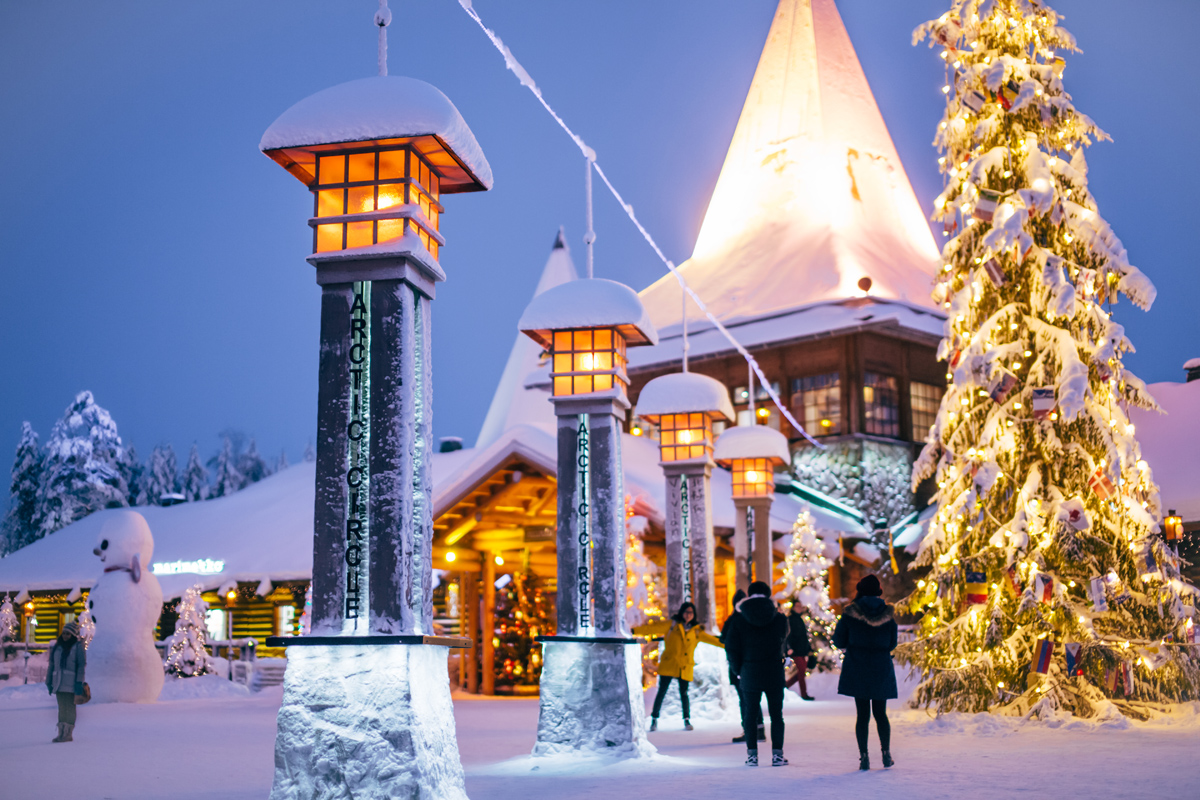 Crossing the Arctic Circle in Rovaniemi (photo credit: Visit Finland & Visit Rovaniemi)