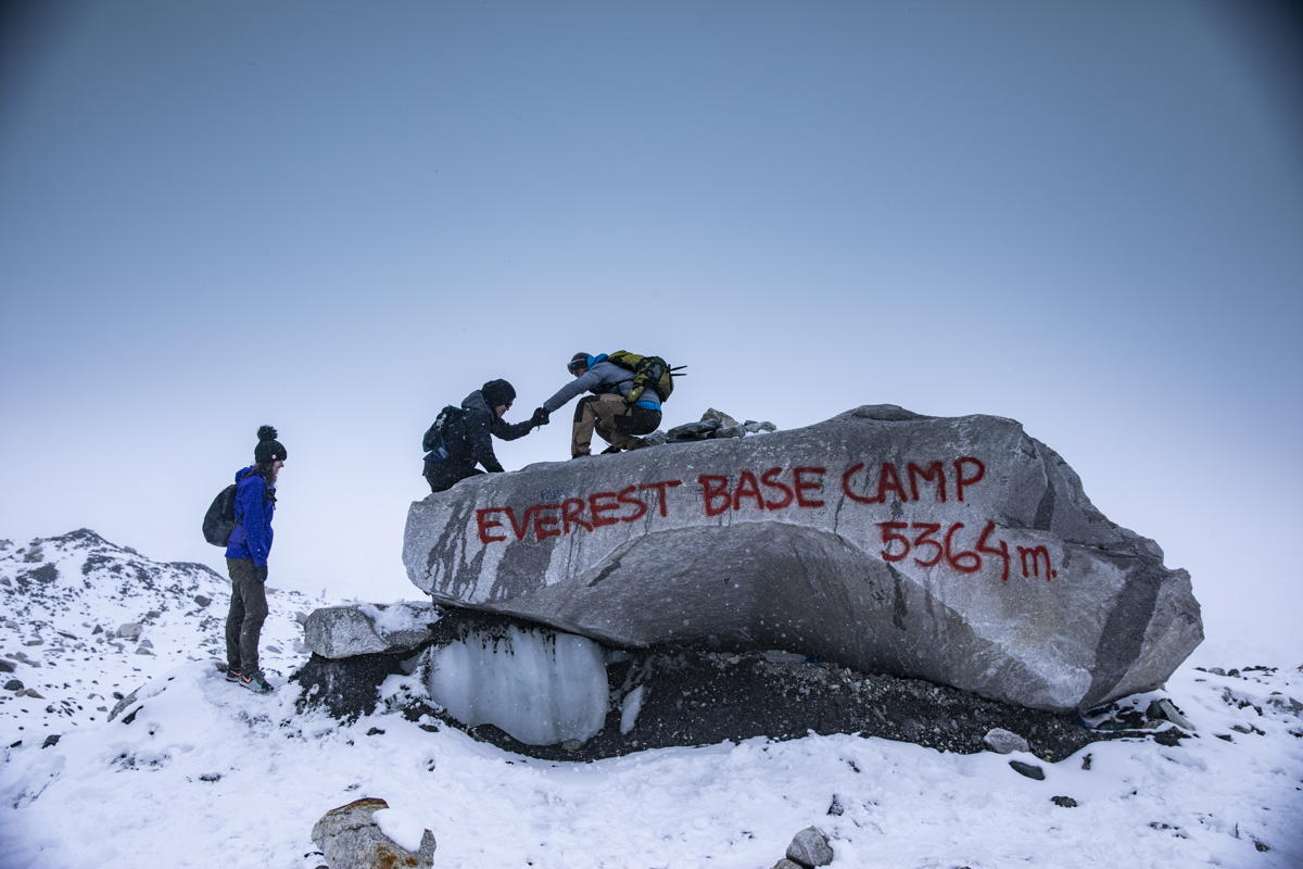 Nepal Everest Basecamp hikers climb. (Supplied)