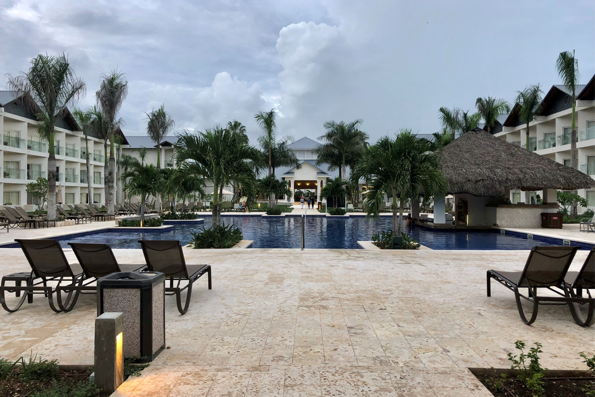 Private pool and swim-up bar for Premium guests.