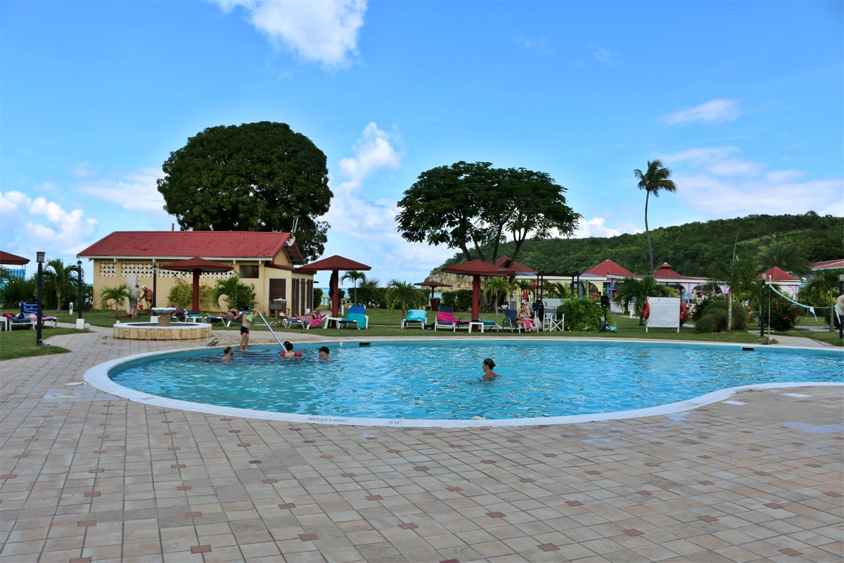 The main pool at Starfish Halcyon Cove