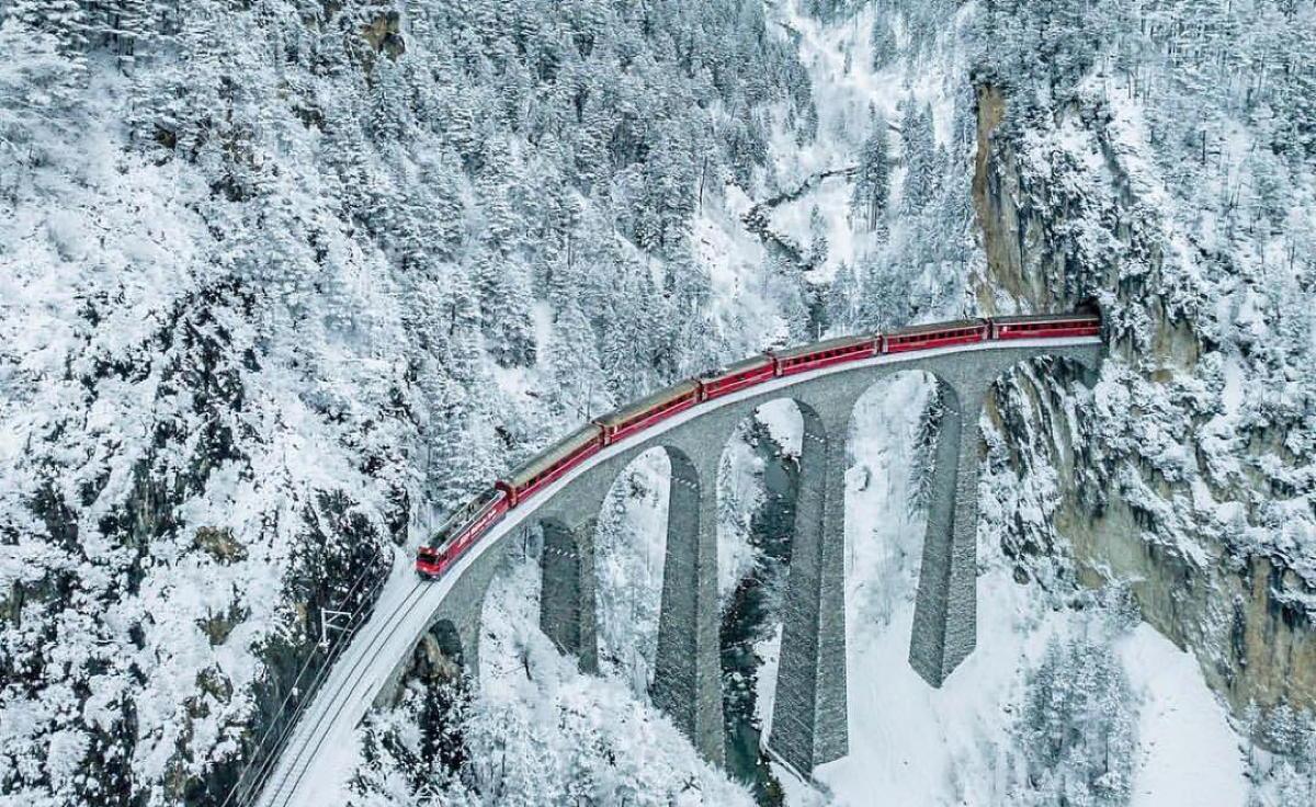 Le viaduc de Landwasser en Suisse. (Instagram/@the_travel_hub)