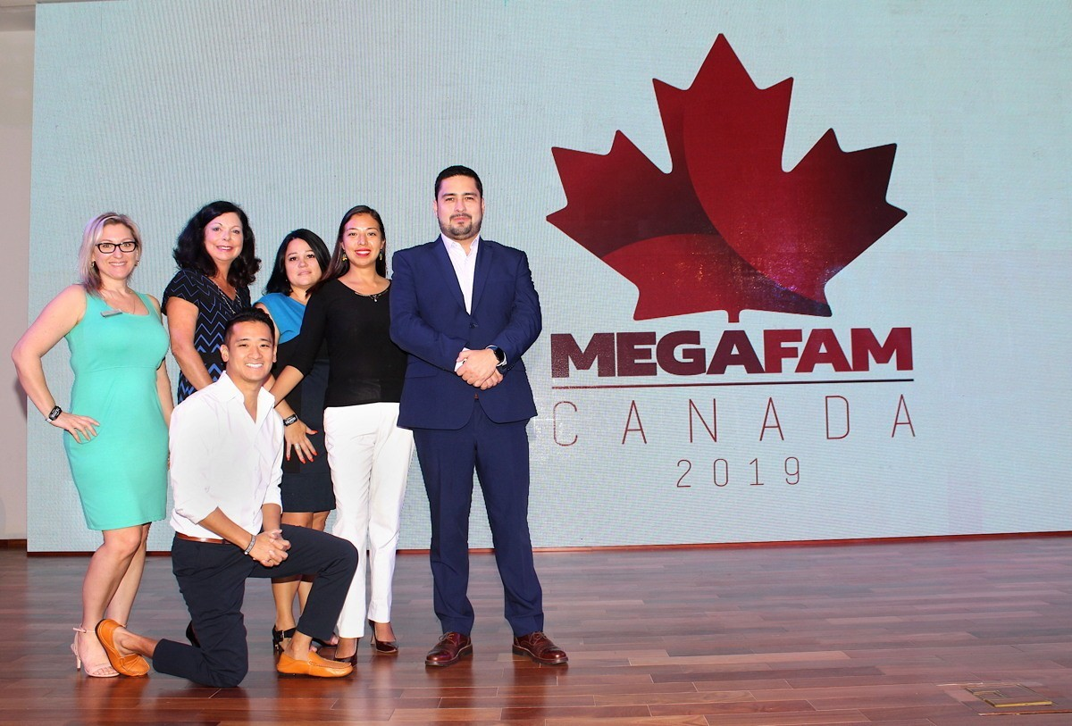 From left (of Palace Resorts): Diana Winters, BDM, Ontario; Sharon Wilson, BDM, Alberta, Saskatchewan, & Manitoba; Peter Tran, BDM, British Columbia; Julie Golding, BDM, Quebec & Atlantic Canada; Lorena Cortes, sales; Juan Carlos Calderon, corporate director of sales in Canada.