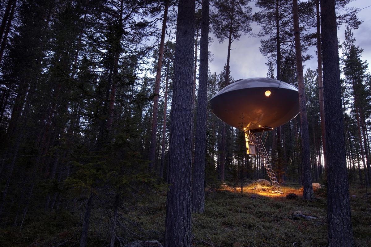 The UFO at Sweden's Treehotel (Photo credit: Peter Lundström)
