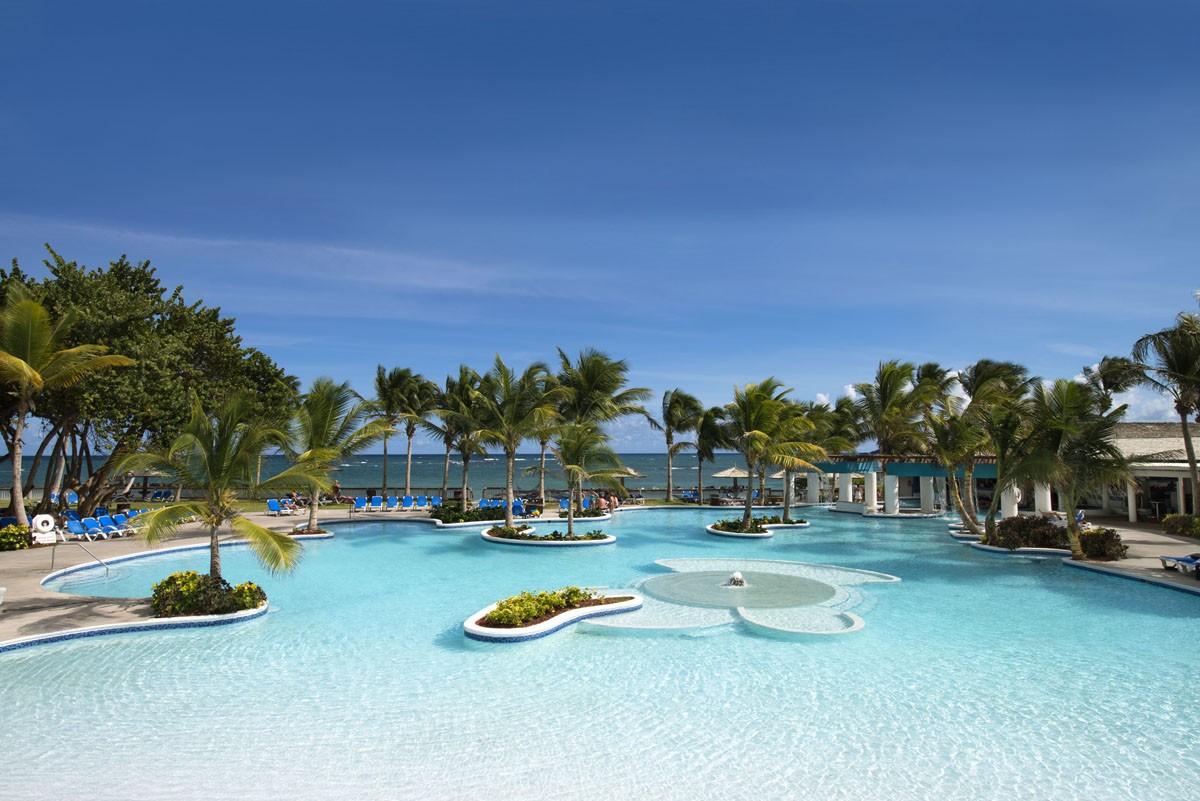 Coconut Bay offers Canadian savings
