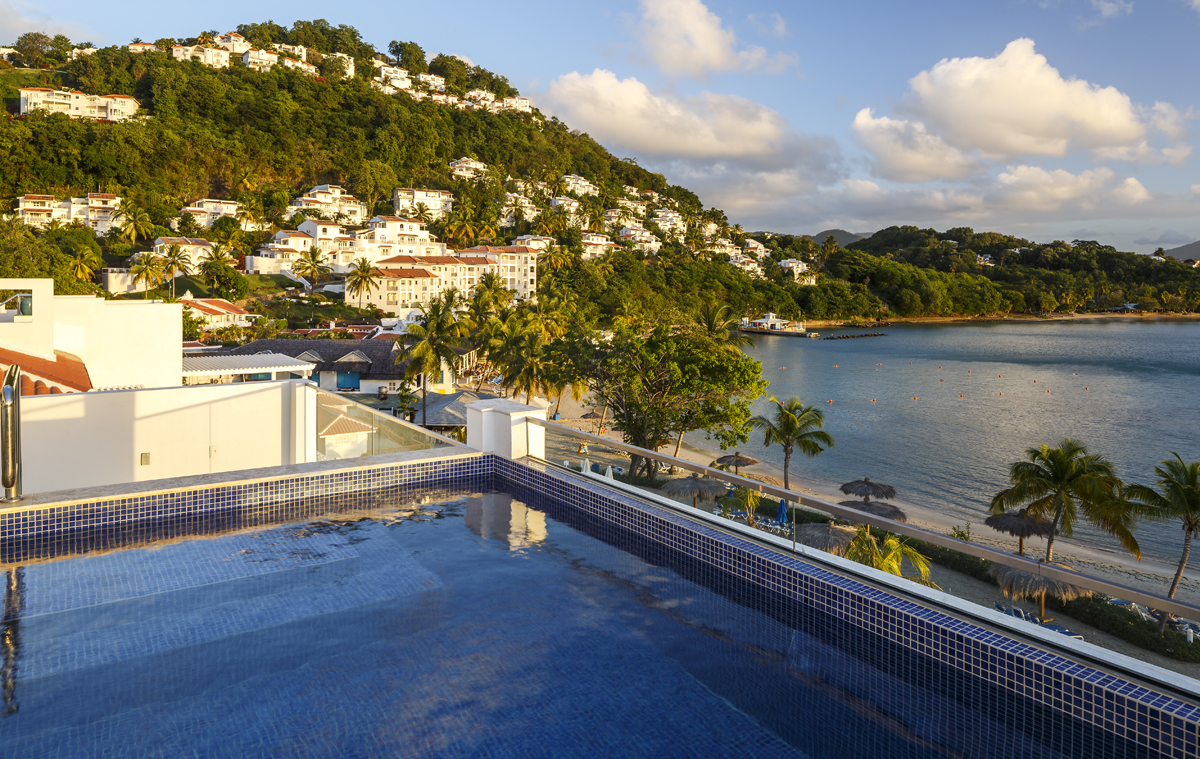 Caribbean Castles anticipates busy year for Windjammer, Valentin Imperial Maya in 2017