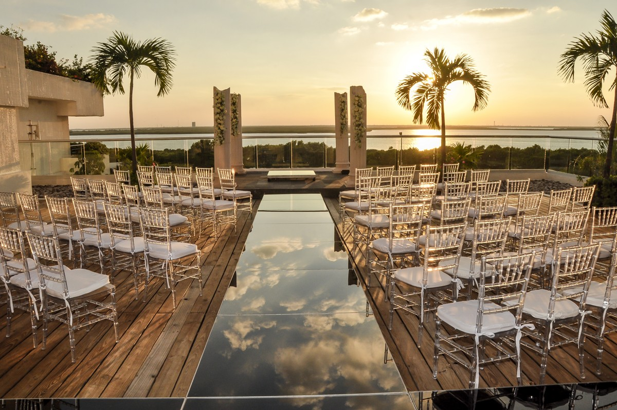 Oasis Hotels & Resorts ties the knot with WeddingWire