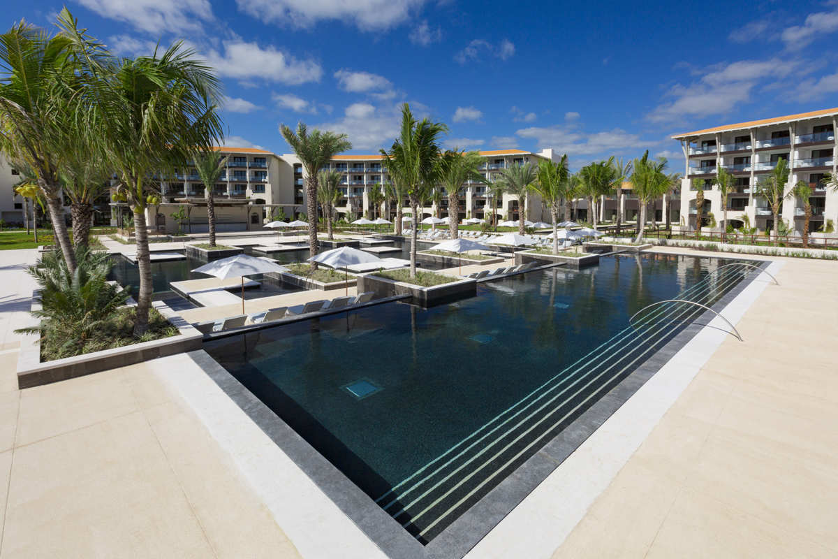 UNICO 20°87° Hotel Riviera Maya makes its debut