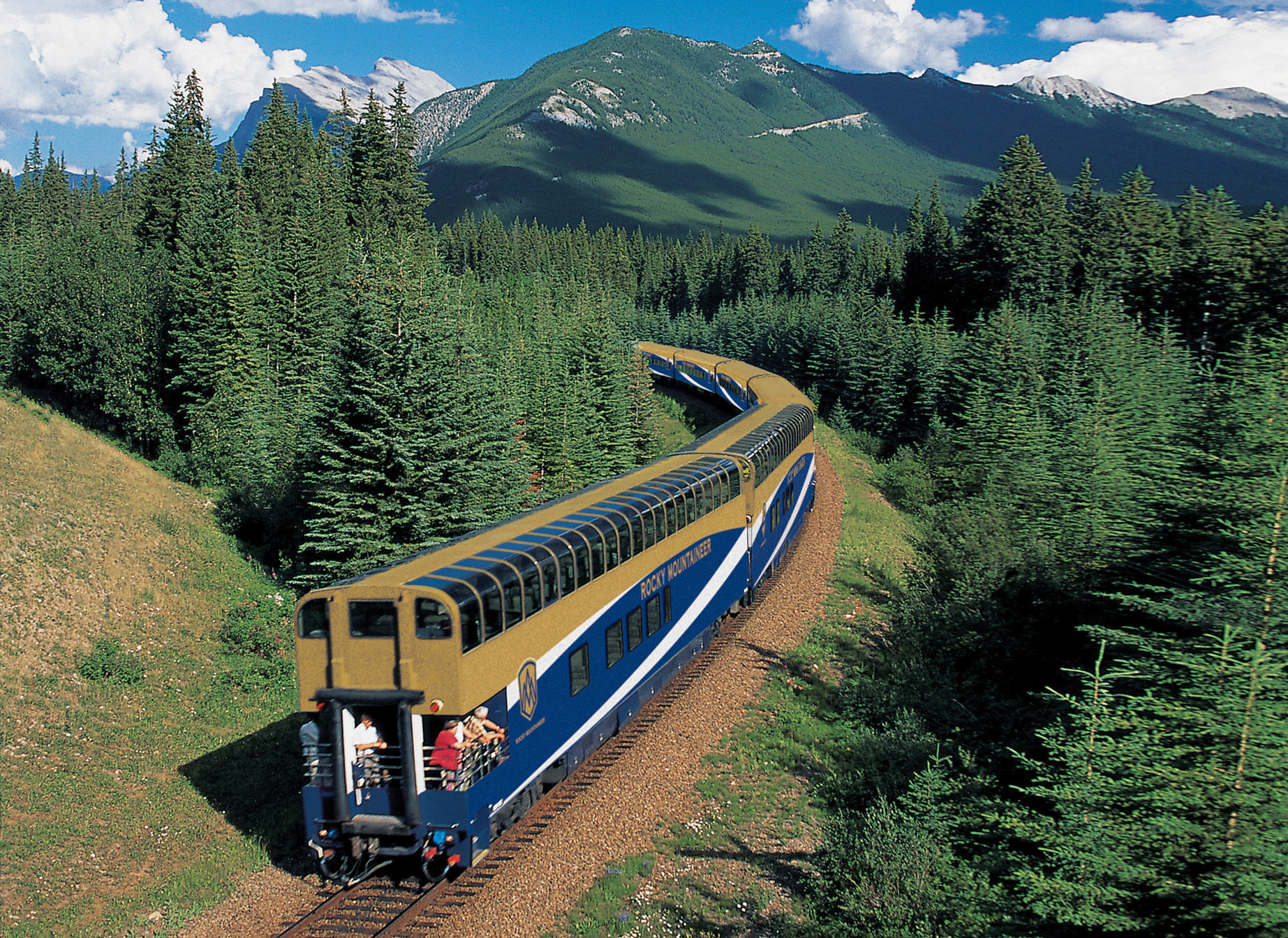 Rocky Mountaineer offers free hotel night for Canada's 150th