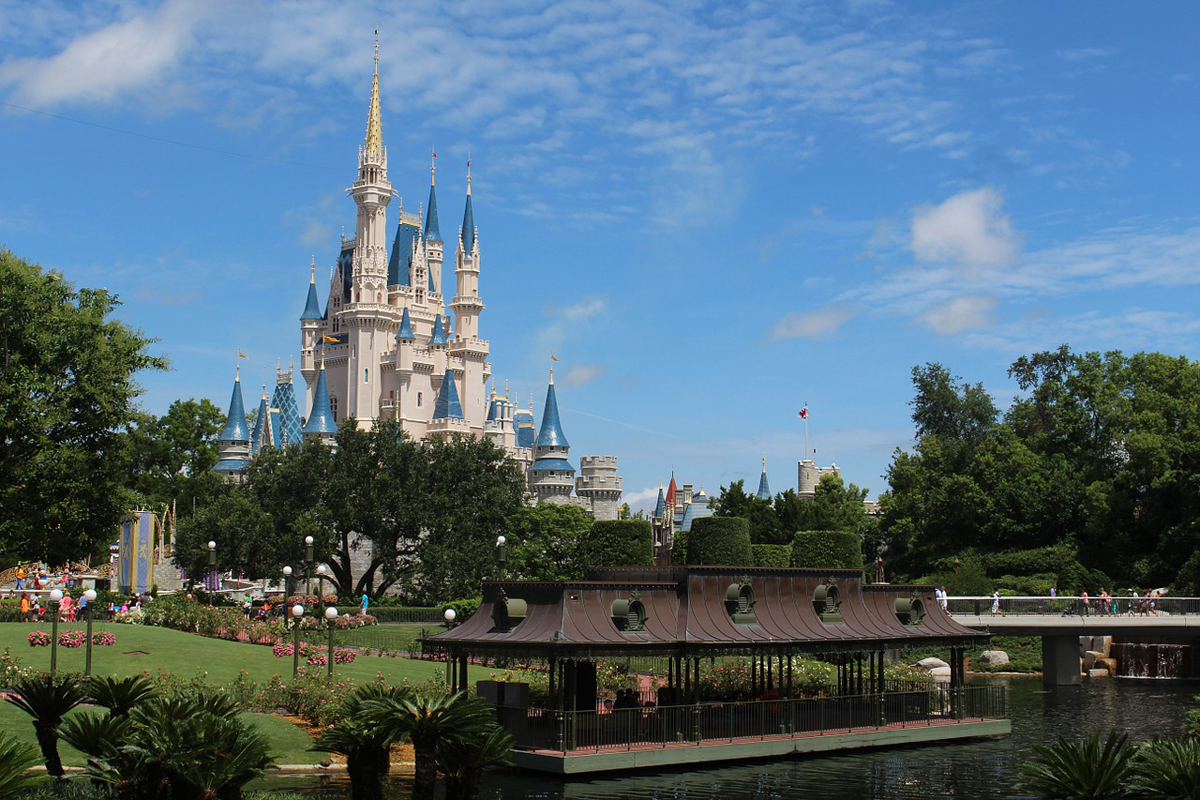 ACV offers free airfare and dining plan for kids at Disney