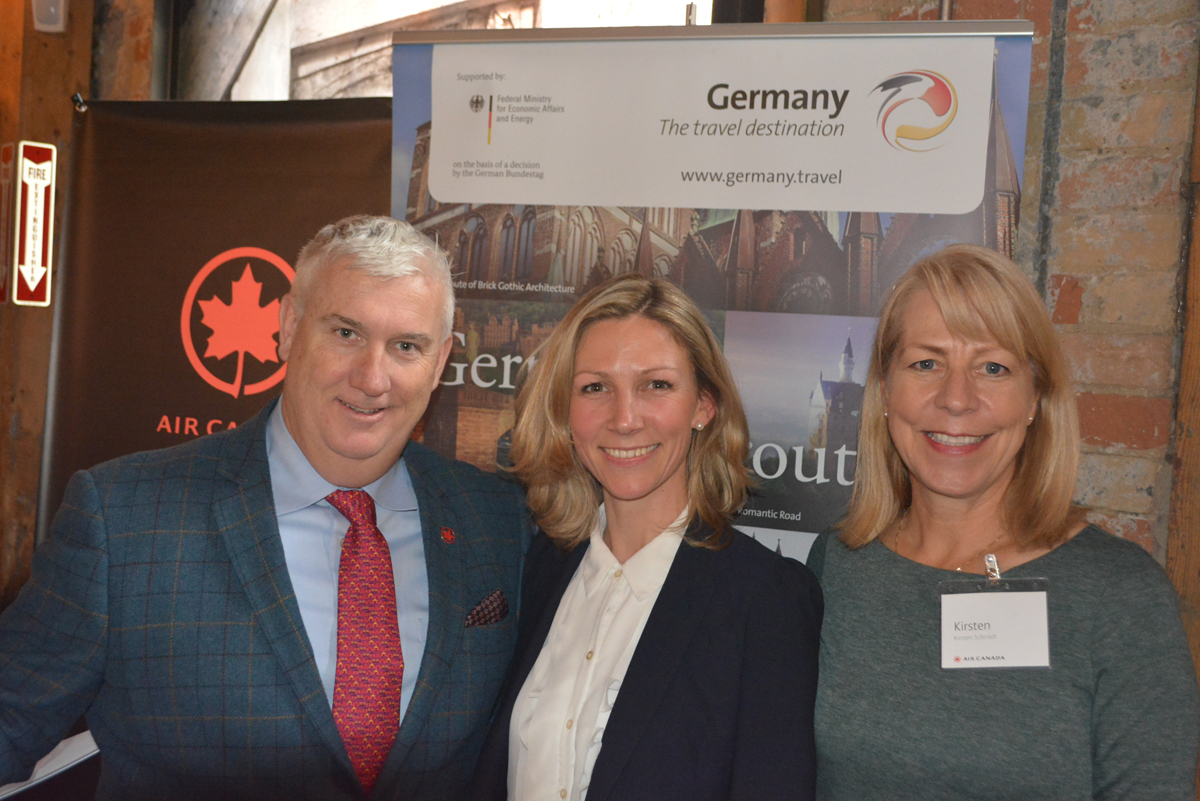 Prost! Air Canada, GNTO, visitBerlin toast new route