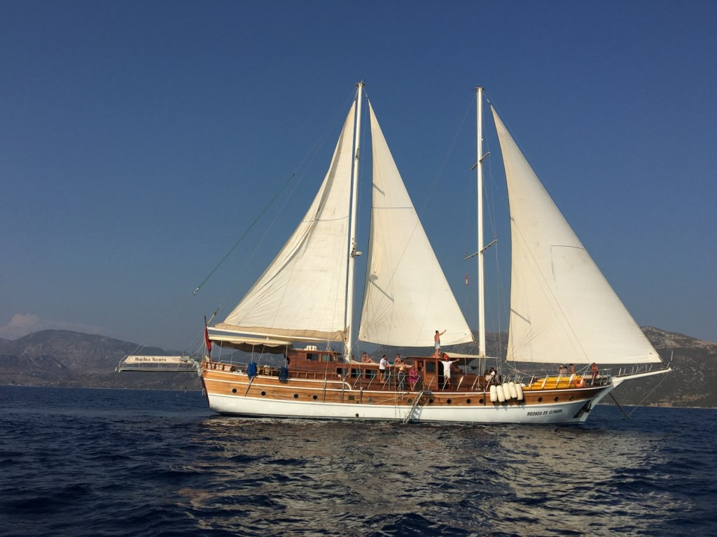Cruise the Greek Dodecanese Isla...
