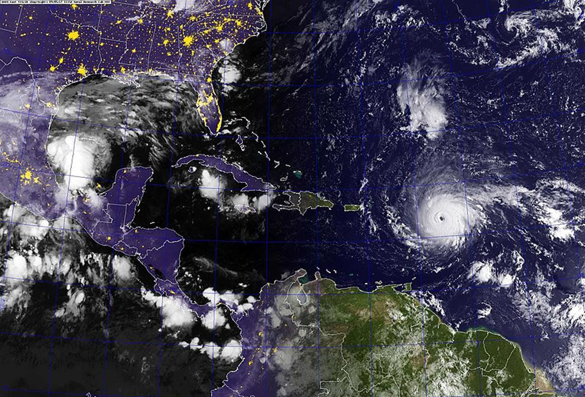 Irma: Canadian airlines evacuate travellers