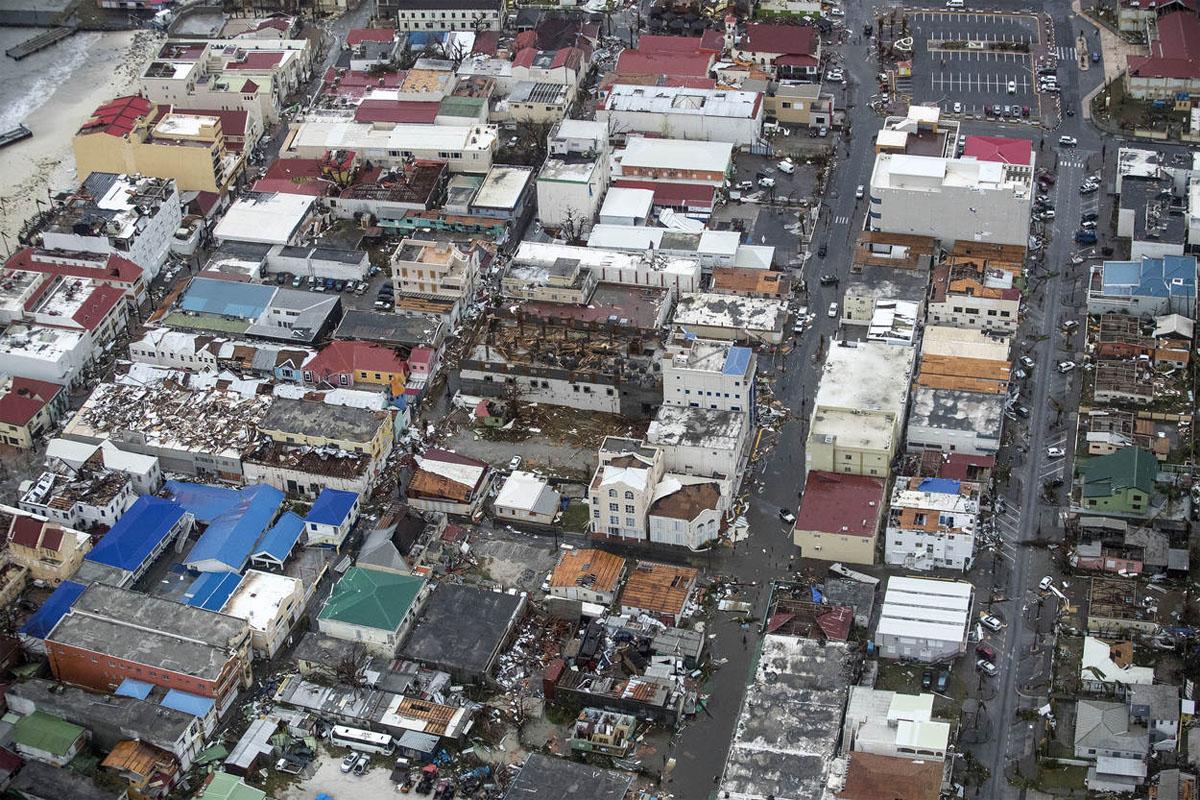 Irma: Sunwing sends aid workers