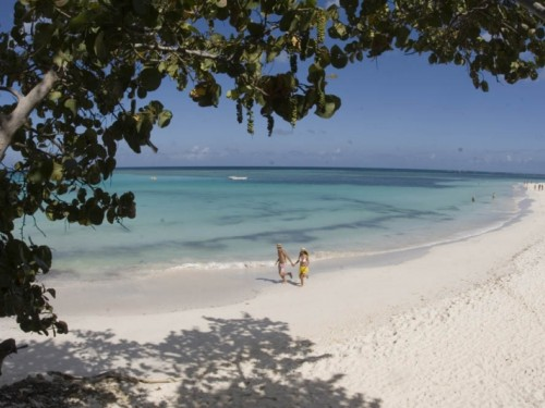 Cuban tourism minister provides crucial updates