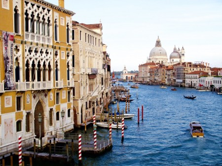 Venice enacts restrictions on cruise ships