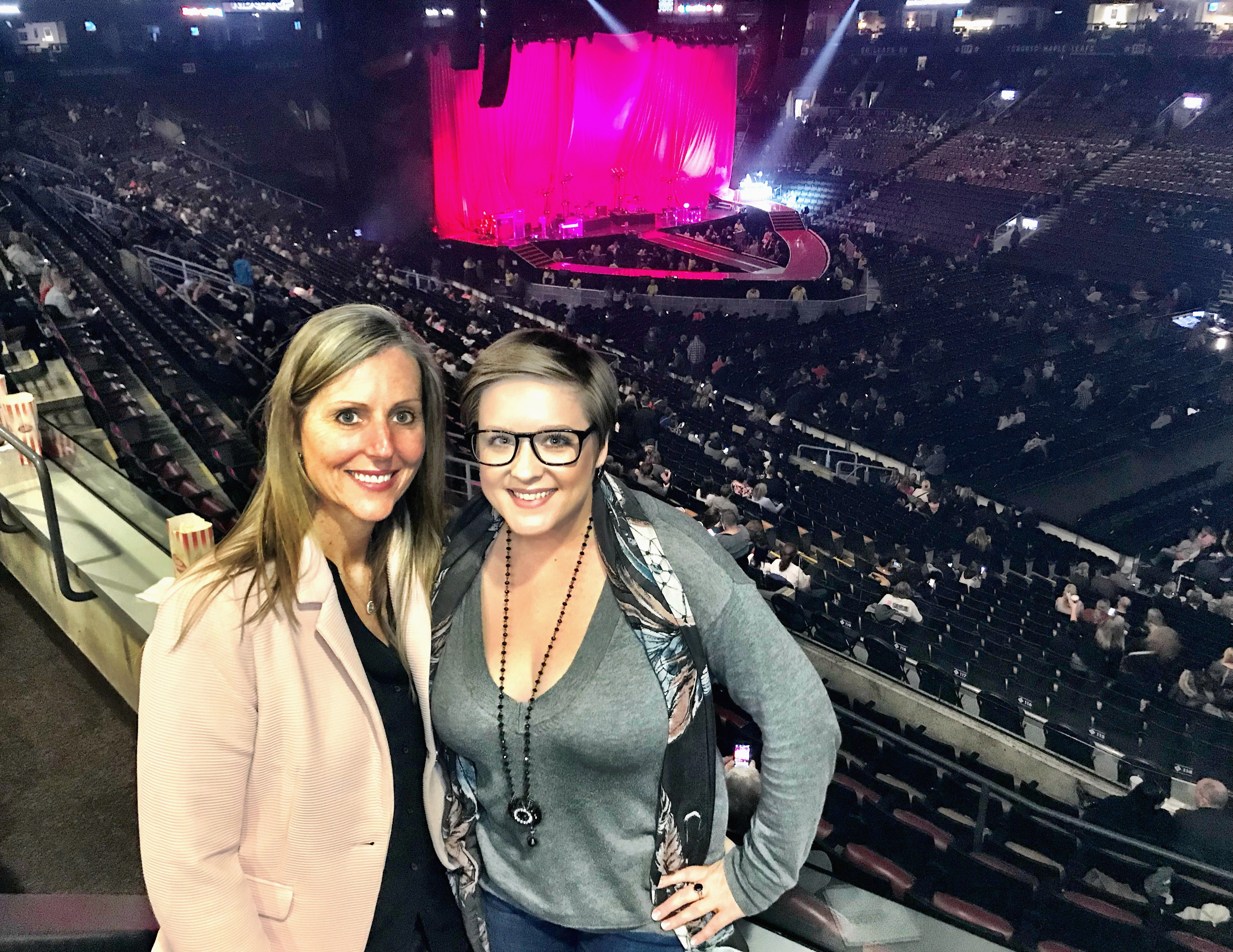 Experience Kissimmee raises a glass with travel pros at Pink concert