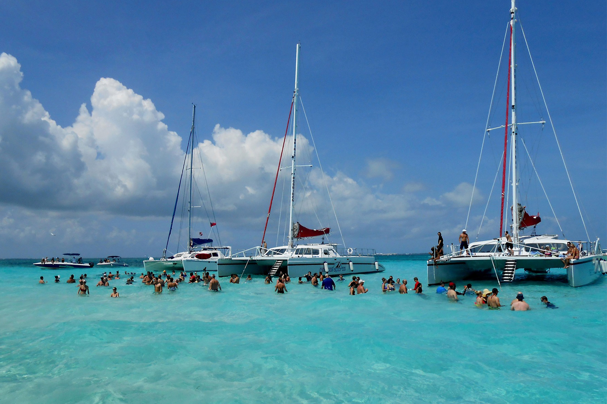 """Cayman Islands """"Worry Free Hurricane Guarantee"""" delivers a special promise"""