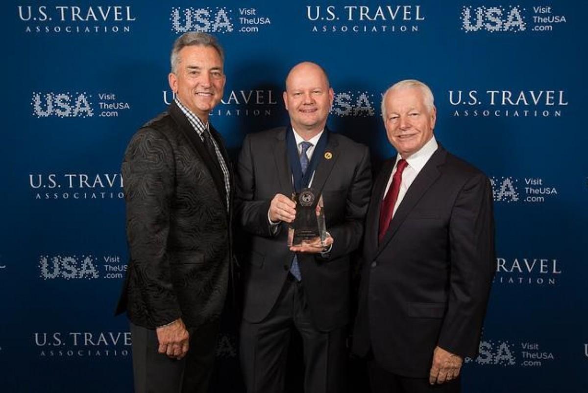 TravelBrands receives Chairman's Circle Honors award at IPW