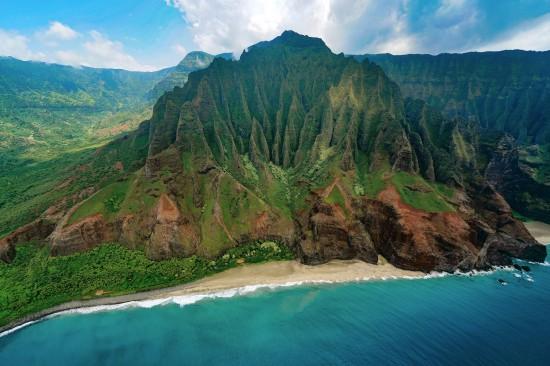 Hawaii on watch as Hurricane Lane approaches main islands