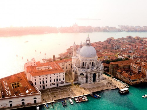Starting this May, tourists must pay to visit Venice