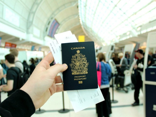 What dual Canadian citizens need to know about transborder travel