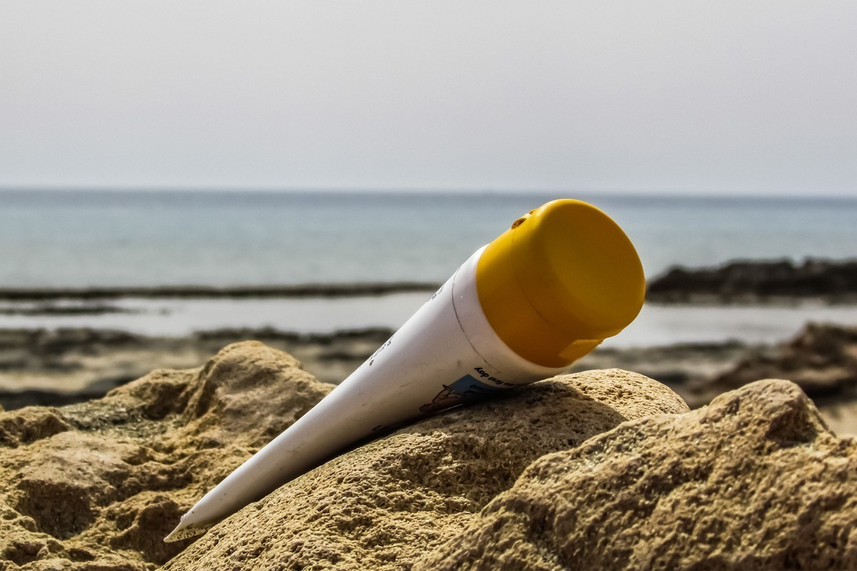 These major tourist spots want to ban harmful sunscreen