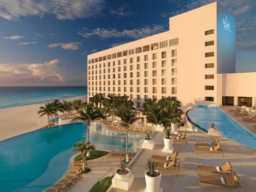 PHOTOS: Cancun's Le Blanc Spa Resort reopens