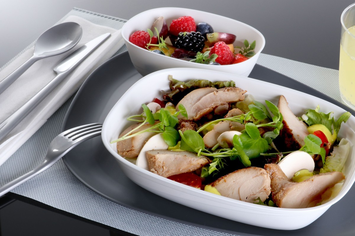 Welcome cocktails, meal upgrades coming to Delta's economy class