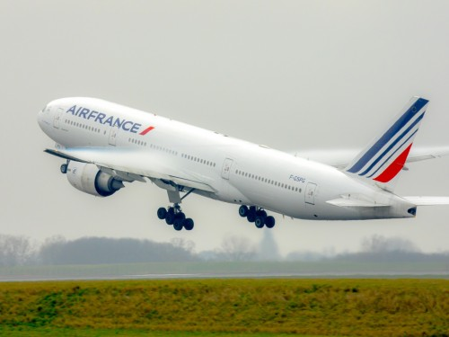 "Air France opposes French government's proposed ""ecotax"""