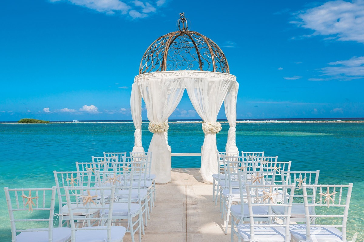 Sandals adds 3 over-the-water gazebos to signature wedding venues