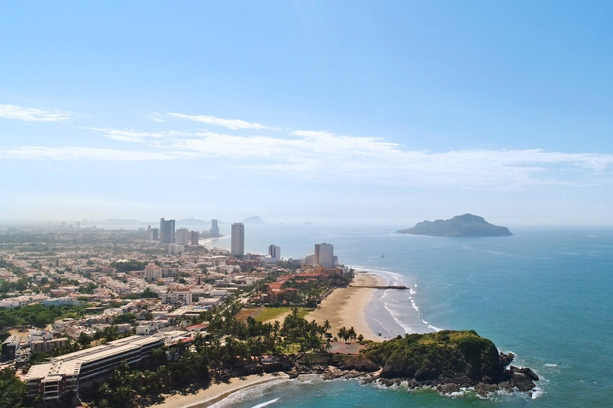 Sunwing launches weekly flights from Ottawa to Mazatlán