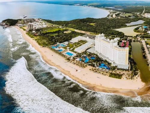 Riu Emerald Bay adds a new section & a water park