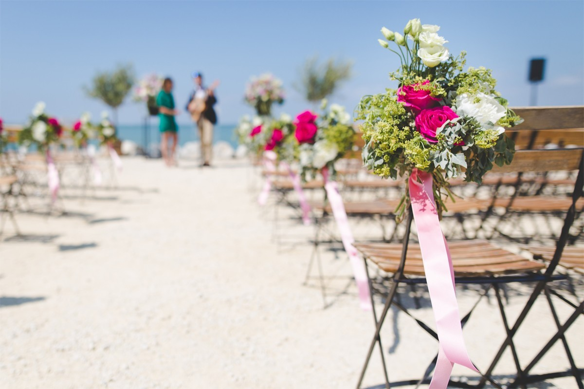 Transat's wedding brochure features all-in-one wedding packages in 22 destinations