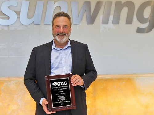 Sunwing president Mark Williams receives ATAC Lifetime Honoree Award