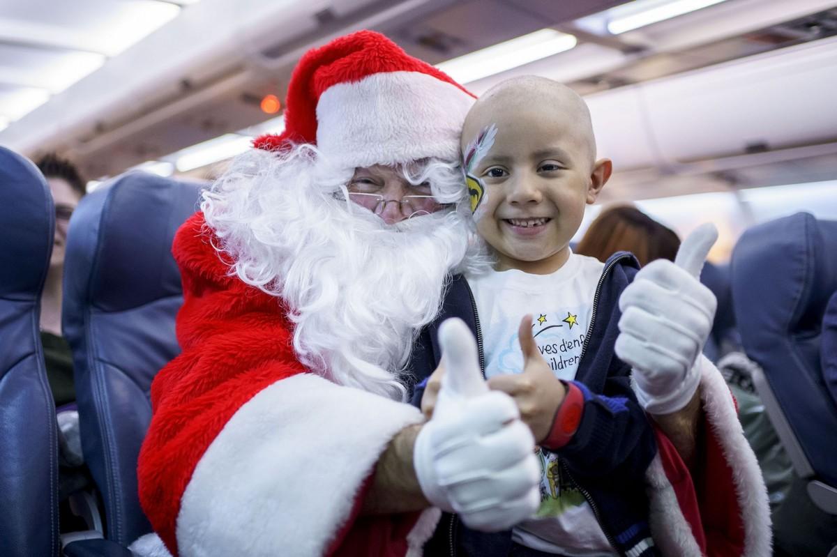 "Transat celebrates 15th annual ""Flight with Santa Claus"""