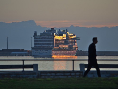 As coronavirus cases climb, cruise lines tighten boarding requirements