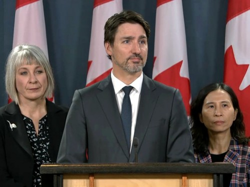 Ottawa to warn Canadians against international travel; PM looks at tightening border
