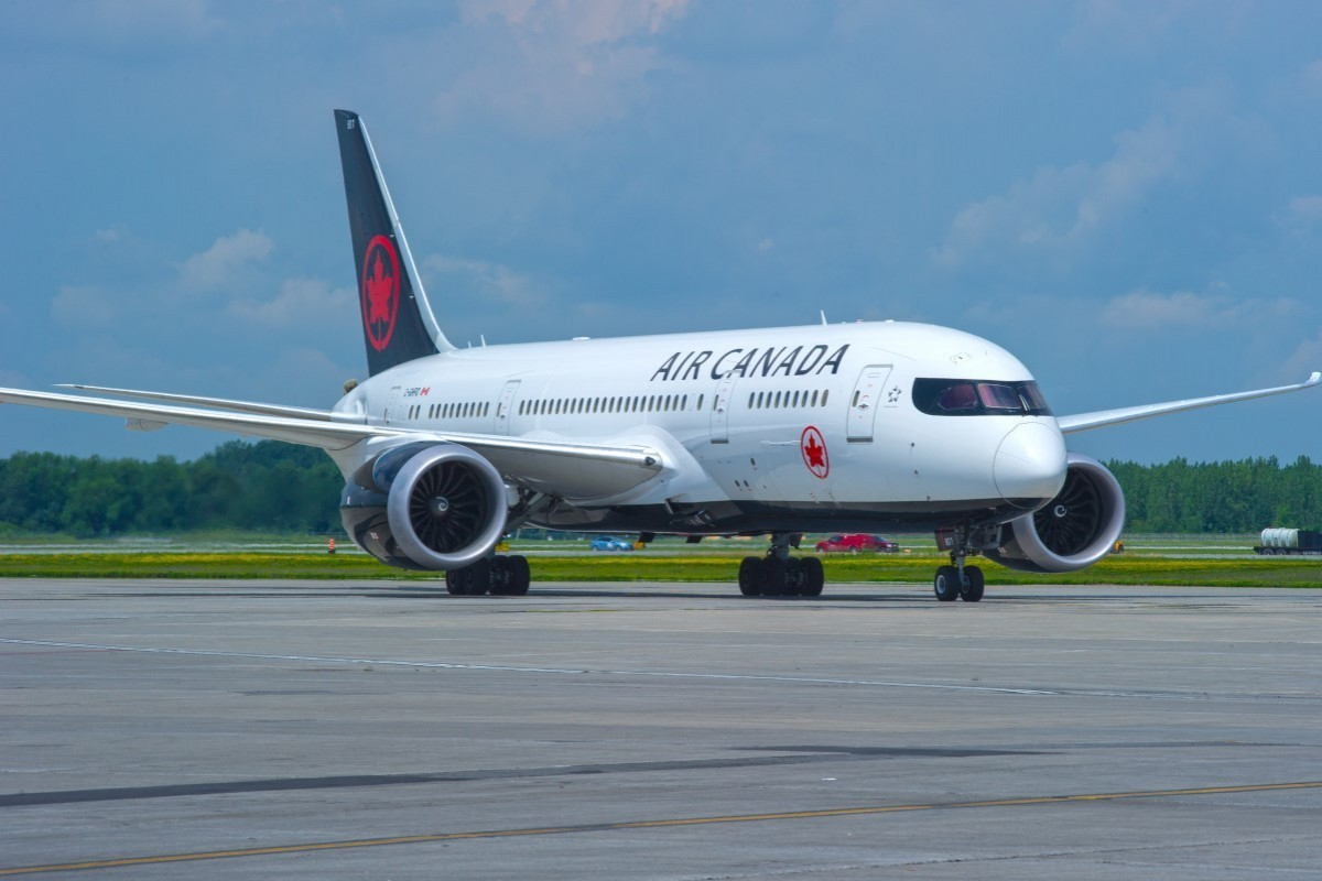 """Air Canada to """"gradually suspend"""" flights as Canada-U.S. border closes"""