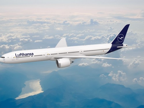 Lufthansa fighting COVID-19 with facemask donations, relief flights