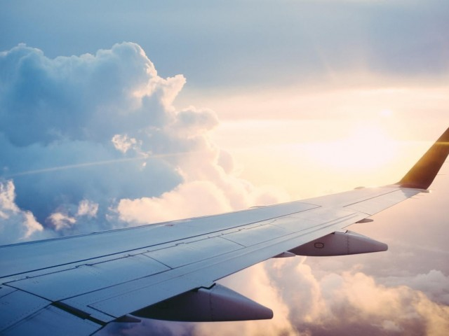 Canadians want cheaper flights & believe airline competition is critical: survey