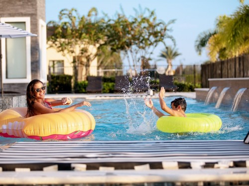 Theme parks, hotels, & entertainment venues reopen in Kissimmee